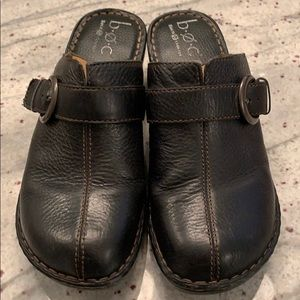 Born b.o.c. Size 8 black clog